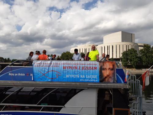 Wypłyń z JEZUSEM - bezpłatny rejs po Brdzie